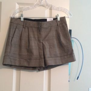 Express pleated plaid shorts